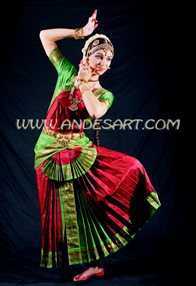 Indian Classical Dance Admire Colorful Costume Mesmerizing Dancer Design Dancers